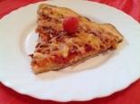 Быстрая пицца на кефире с колбасой и сыром в духовке