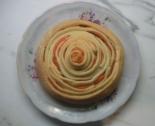 Дрожжевой пирог с красной рыбой
