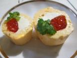 Фуршетная закуска с красной икрой и сыром
