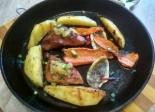 Горячая сковородка с мясом и овощами