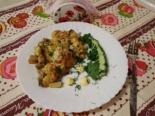 Картошка с баклажанами, курицей и грибами в духовке