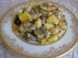 Картошка с белыми грибами на сковороде