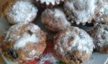 Кексы с изюмом и орехами в силиконовых формочках без масла и молока