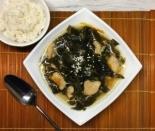 Корейский суп миёккук с водорослями и курицей