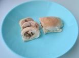 Куриные рулетики с грибами и сыром в сливках в духовке