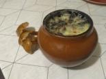 Макароны в горшочках с грибами и сыром