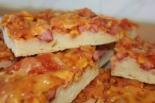 Пицца с кукурузой и колбасой на дрожжевом тесте