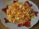 Простой салат из вареной моркови с сыром