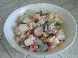 Простой салат с крабовыми палочками на скорую руку