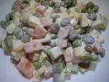 Простой салат с сыром и яйцом без мяса