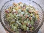 """Салат """"Оливье"""" с оливками и копченой колбасой"""