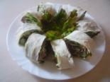 Рулет из лаваша с курицей, огурцом и салатом