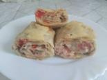 Рулет из лаваша с рыбными консервами, сыром и помидорами в духовке