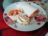 Рулет из лаваша с ветчиной сыром и корейской морковкой