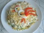 Салат с картофелем фри и курицей слоями