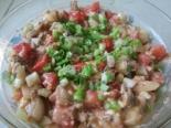 Салат из консервированной кильки в томате