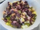 Салат из свеклы с яйцом и соленым огурцом