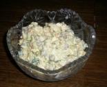 Салат с копченой скумбрией и горошком на праздник
