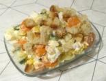 Салат с кукурузой, яйцами и сухариками