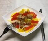 Салат с курицей и овощами без майонеза