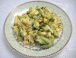 Салат с плавленым сыром яйцом и огурцом,