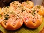 Салат в апельсине с курицей и крабовыми палочками