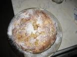 Шарлотка с яблоками и грушами