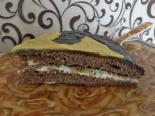 Шоколадный торт с бананом и сметанным кремом