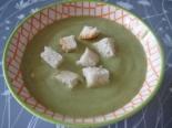 Суп-пюре со шпинатом, плавленым сыром и картошкой