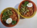 Суп томатный с колбасой и огурцами
