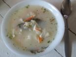 Сырный суп с сосисками и яйцом
