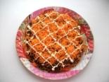 Торт из кабачков с морковью и чесноком