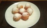Творожные пончики в масле во фритюре