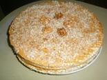 Вафельный торт со сгущенкой, орехами и кофе