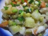 Вкусный салат с грибами жареными, солеными огурцами, морковью и картошкой
