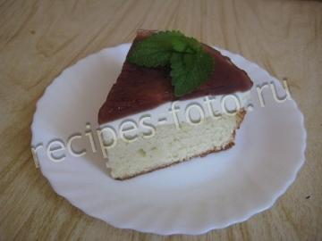 Бисквитный трехслойный торт с творогом и желе