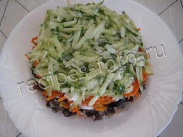 """Салат """"Восторг"""" с корейской морковью и курицей"""